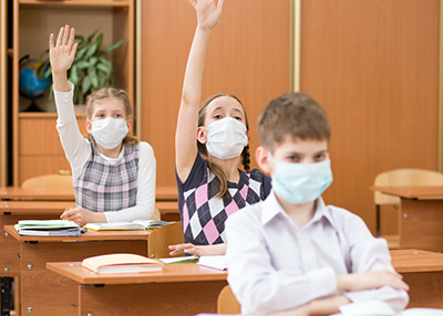 Students in classroom wearing Facemasks